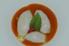 Calamari-ripieni-con-coulis-di-pomodoro-e-majorana